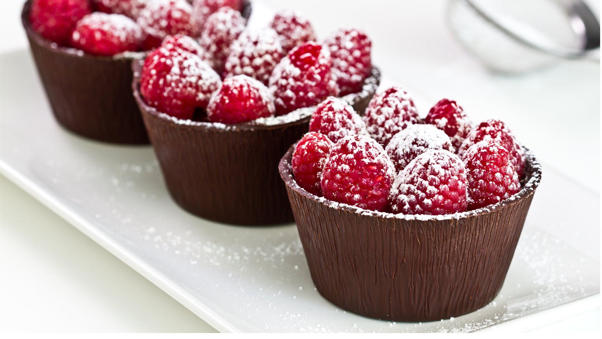 Dig Into These Raspberry Chocolate Cups – Desserts Corner