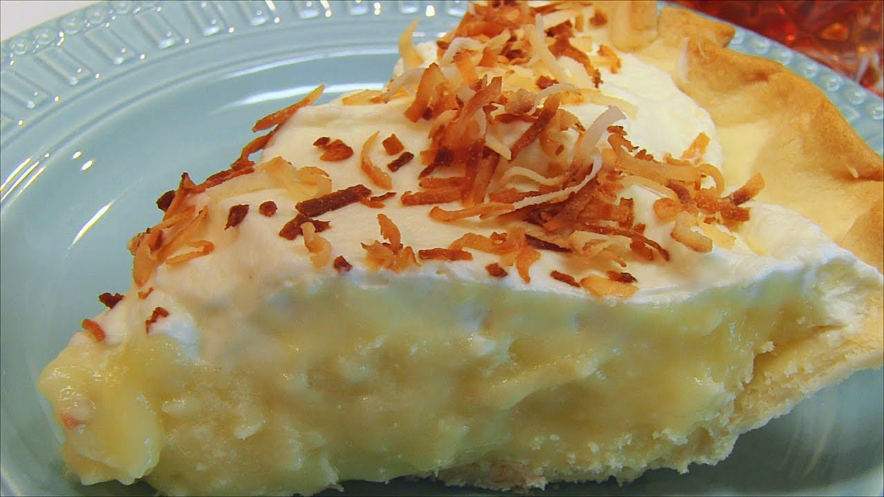 This Coconut Cream Pie Is Incredibly Delicious and Sooo Easy To make!