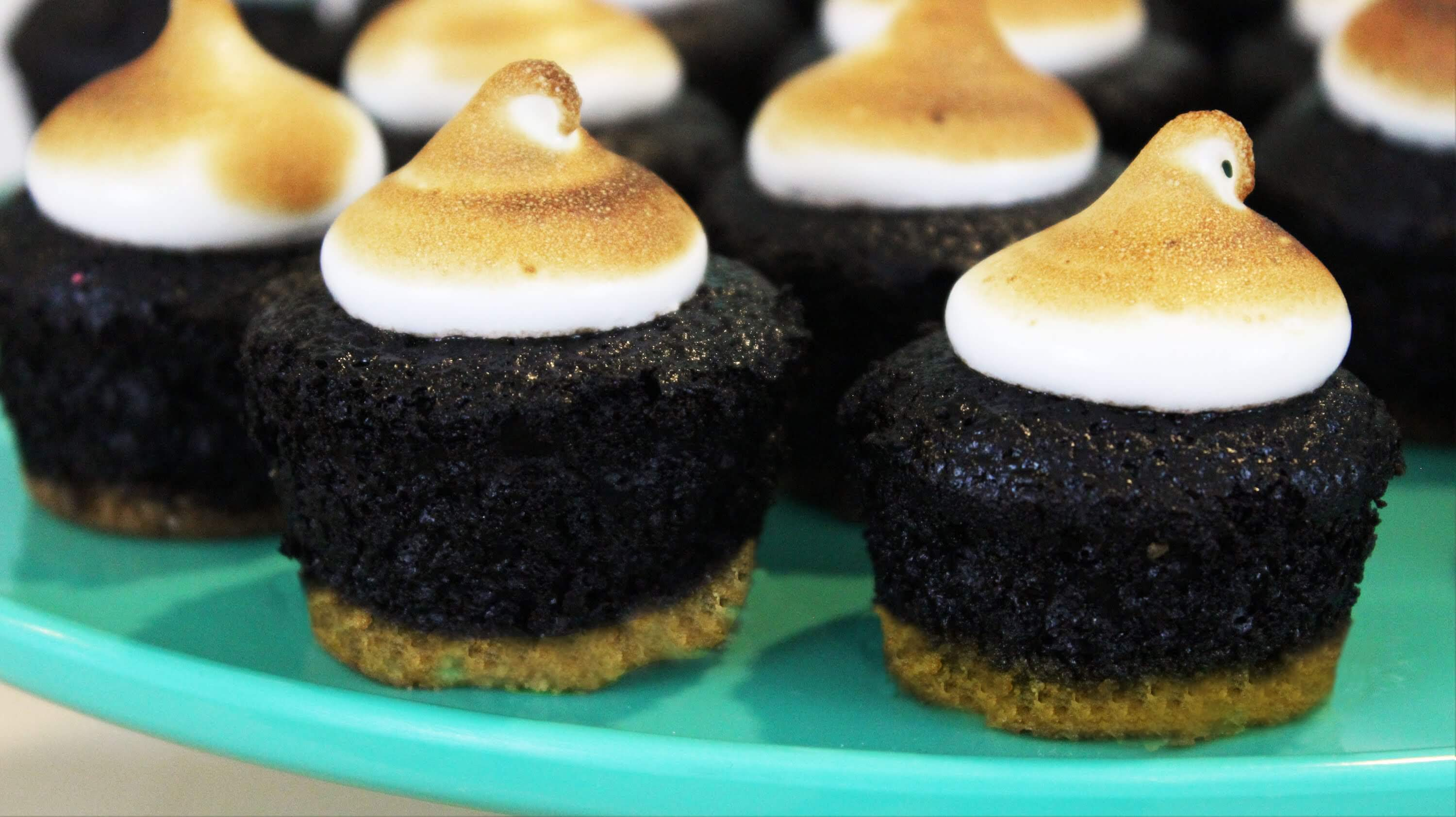 Super Moist And Awesome S'mores Cupcakes
