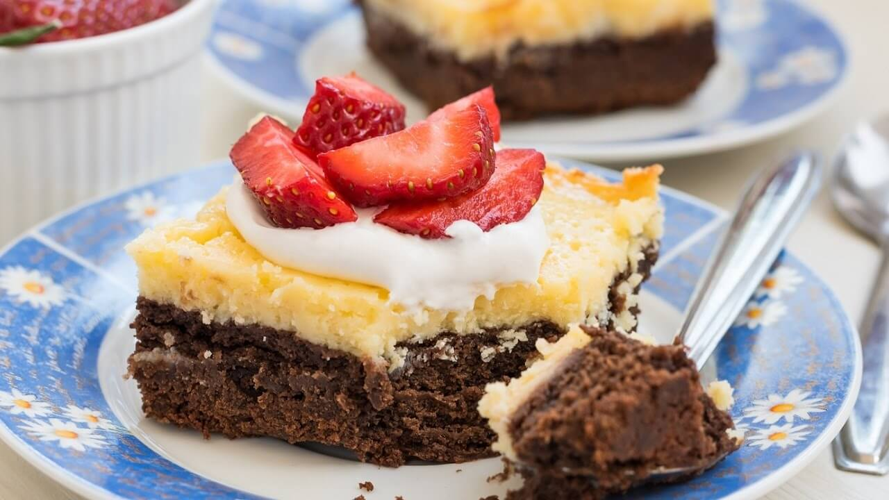 Delicious Layers Of Fudgy & Creamy Brownie Cheesecake